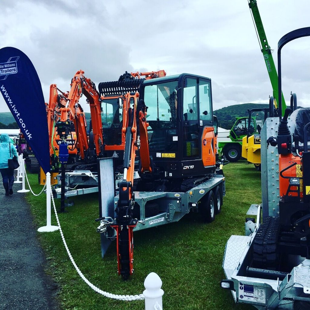 doosan mini excavator with ifor williams plant trailers