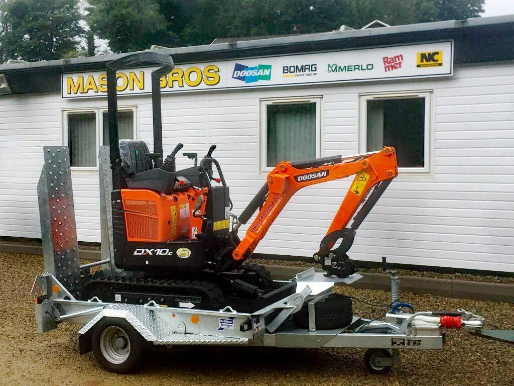 doosan mini excavator on ifor williams trailer