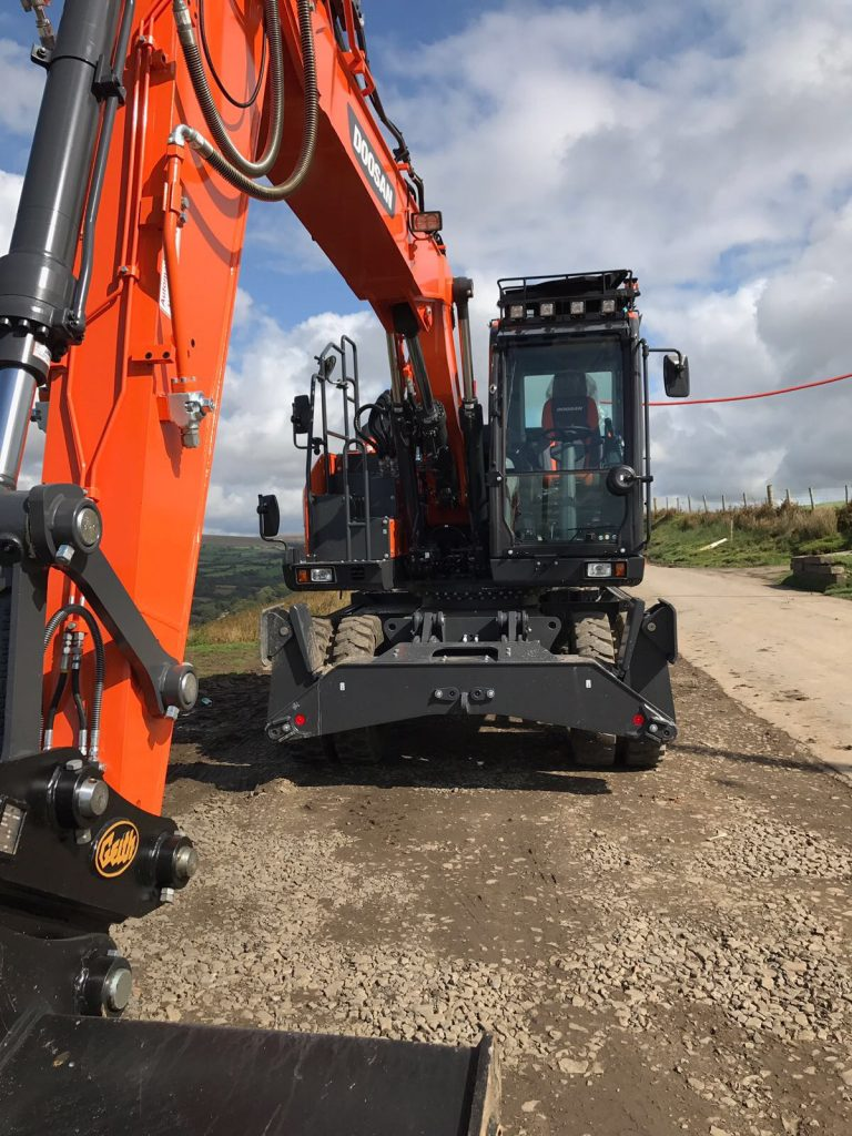 new doosan wheeled excavator dx165w