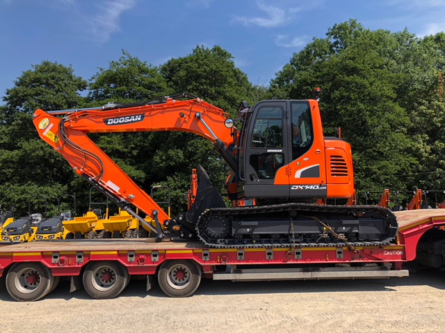 reduced tail swing doosan dx140lcr excavator
