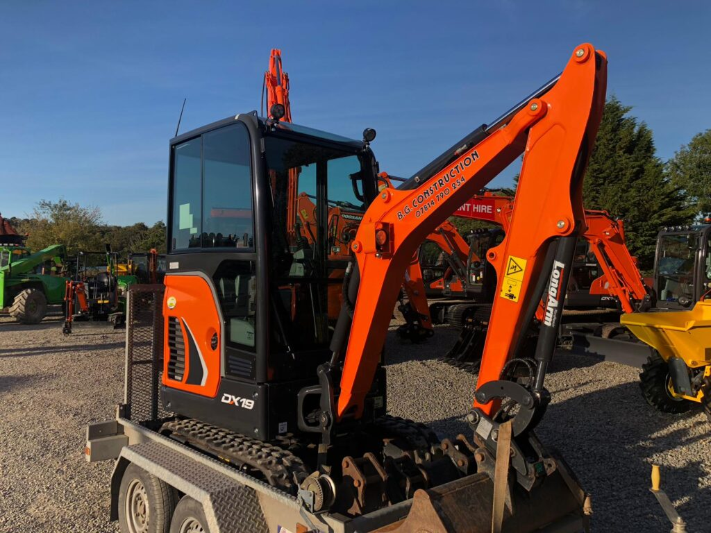 new doosan dx19 mini digger