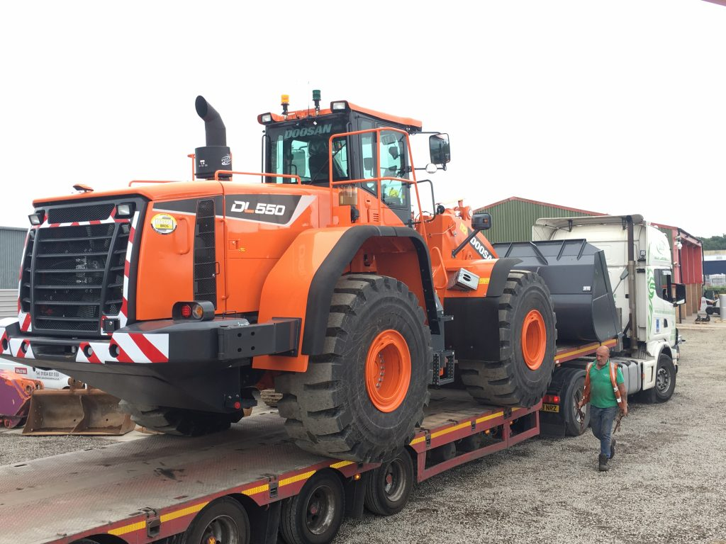 doosan dl550 loading shovel