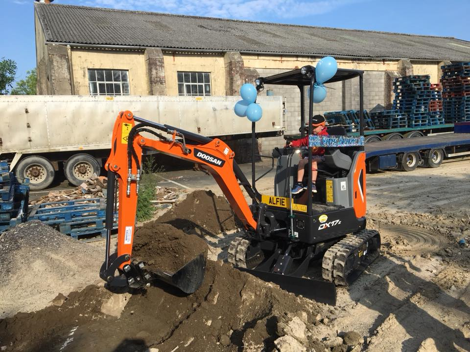 new doosan mini excavator dx27z