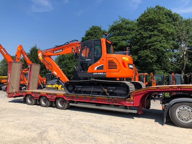 doosan 14 ton reduced tail swing excavator sold to Alan Davies
