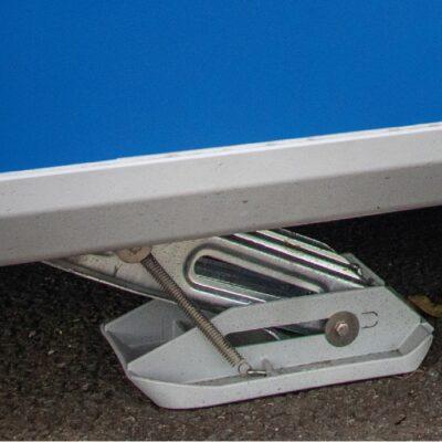 Rear Propstand / Front Corner Steadies